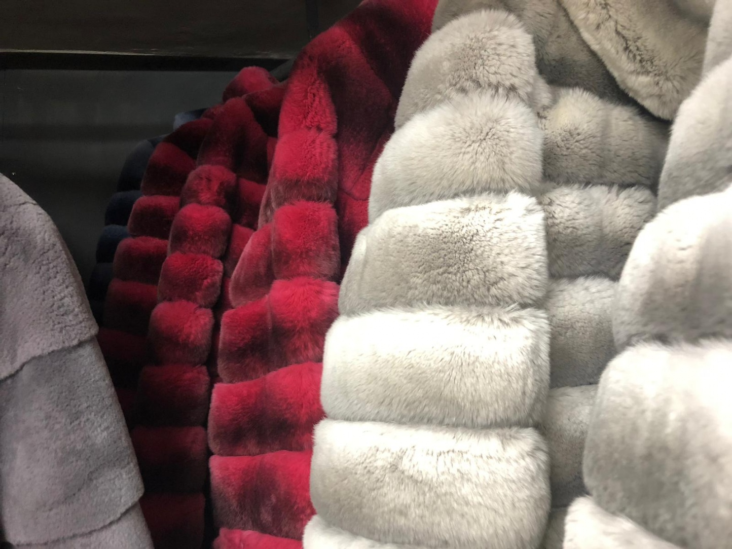 Consejos para conservar tu abrigo de piel como el primer día - Img 2
