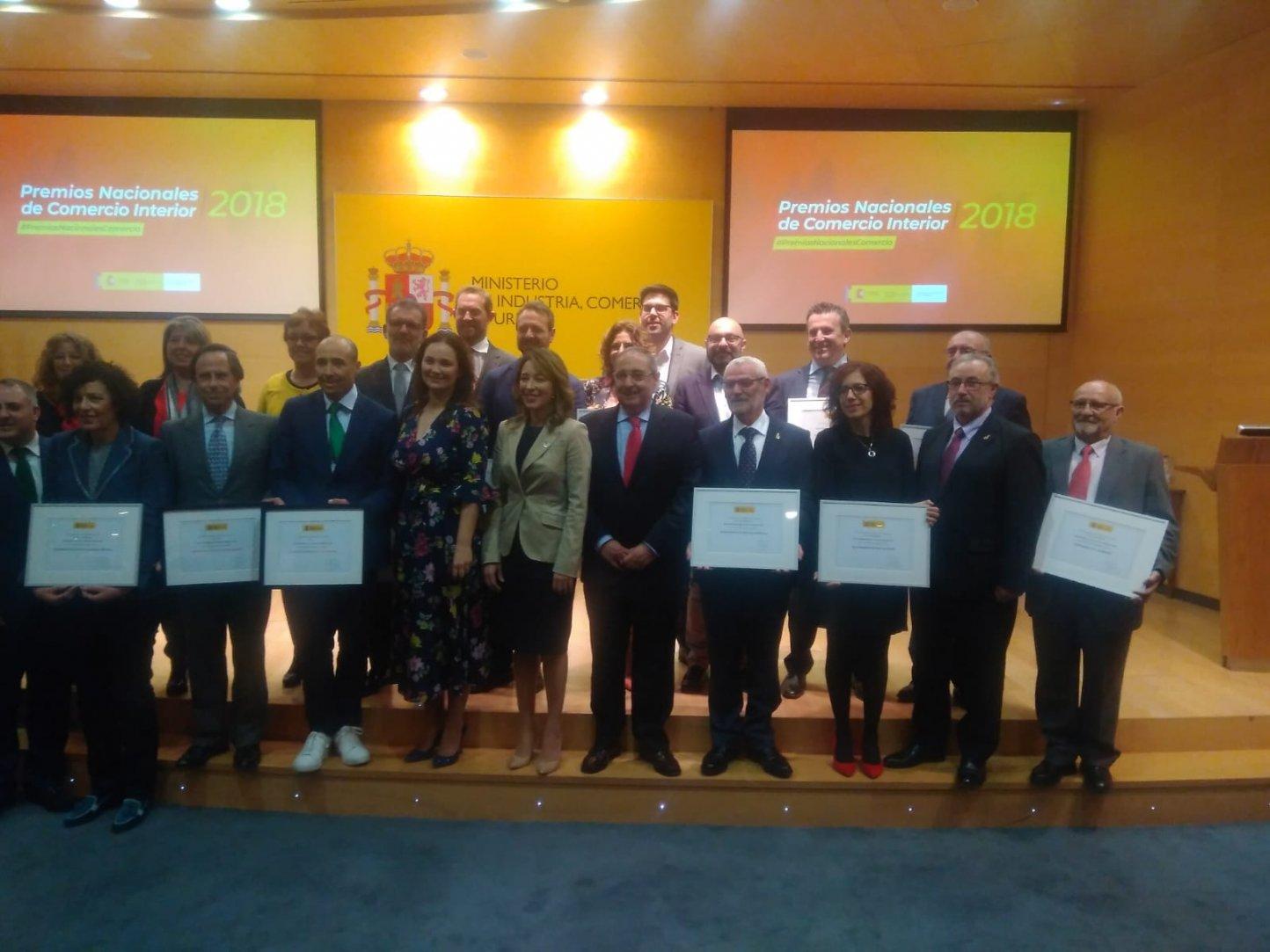 Entrega de Premios Nacionales al Comercio: accésit honorífico a Complementoslamonsita.com - Img 3