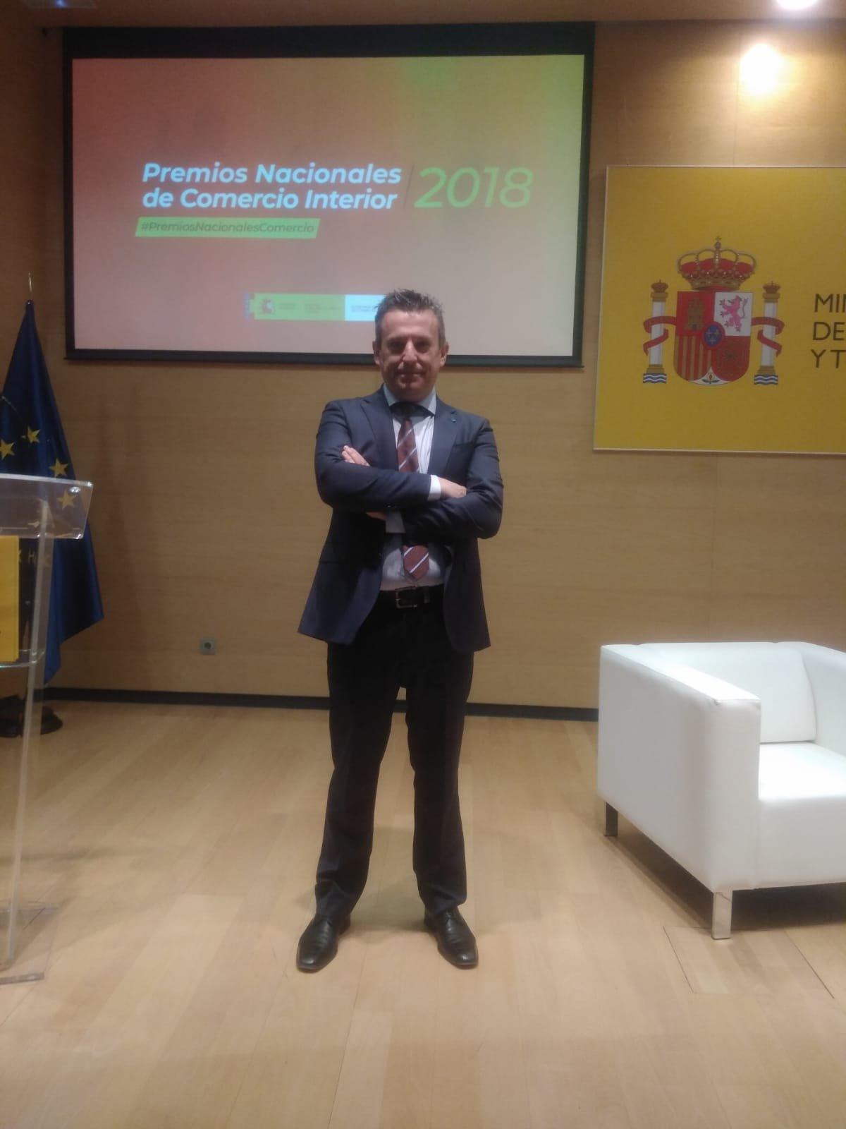 Entrega de Premios Nacionales al Comercio: accésit honorífico a Complementoslamonsita.com - Img 2